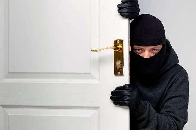 Как позаботиться о безопасности квартиры